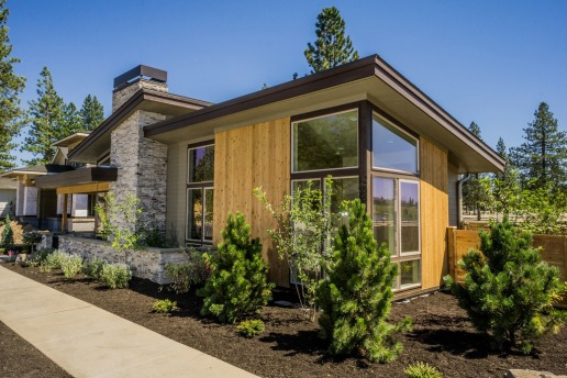 Plan #895-60: 1731 sq/ft, 3 Bedrooms, 2 Baths, 1 Floor, 2 Garage